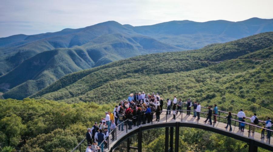 Inauguran nuevo mirador sobre Sierra Madre Oriental